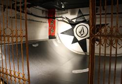 3.21アクションスポーツの日情報③ VOLCOM STORE TOKYO のミニランプに滑りに行こう!!